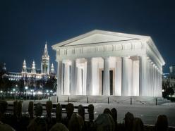 Templo de Teseo iluminado